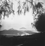A view of Gunung Abang and Gunung Agung (P.J van Baarda, 1930-1934) Courtesy TropenMuseum Archives