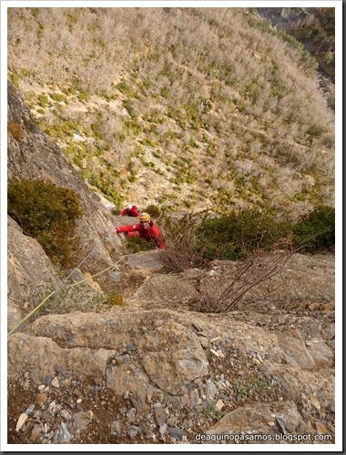 Via Diedro Sajuma 190m 6b  (6a A0 Oblig) (Peña Solano, Escarrilla) (Omar) 0940