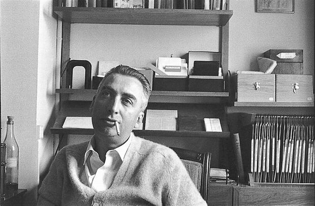 Roland Barthes, circa 1970.jpg