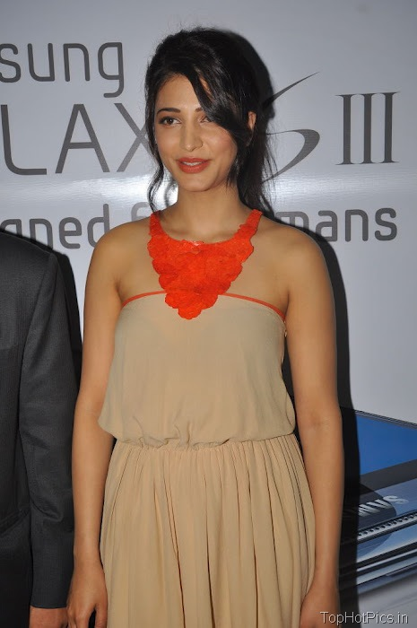 Shruti Hassan Hot Pics from Mobile Launch Event 1