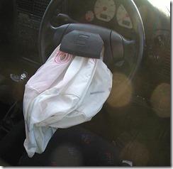 Proses pengempesan Airbag