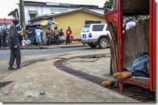 17 malati di Ebola in fuga