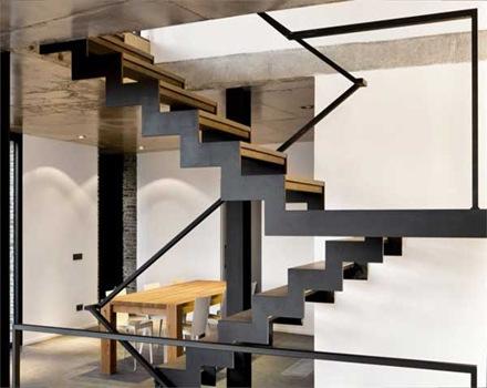 interiorismo-escaleras-casa-piedra-Mont-ràs-Marta Garcia-Orte