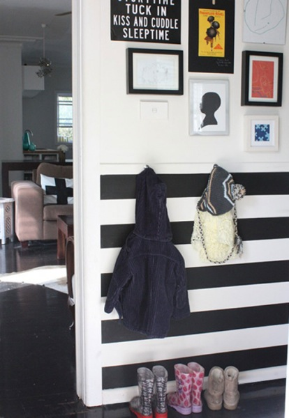 Black and white foyer home space