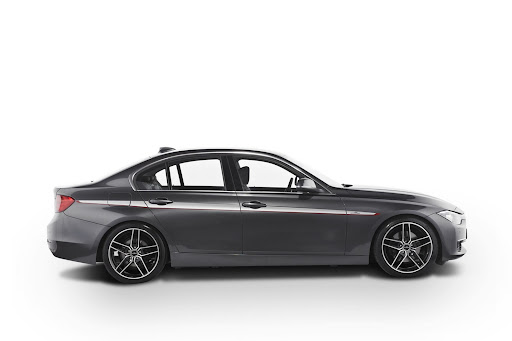 BMW-328i-03.jpg