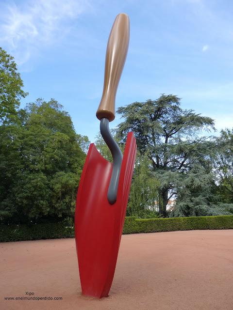 escultura-pala-jardines-fudacion-serralves-oporto.JPG