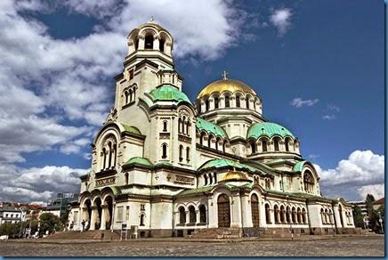 Bulgaria-Sofia-St-Alexander-Nevsky-Orthodox-Cathedral-Exterior-L