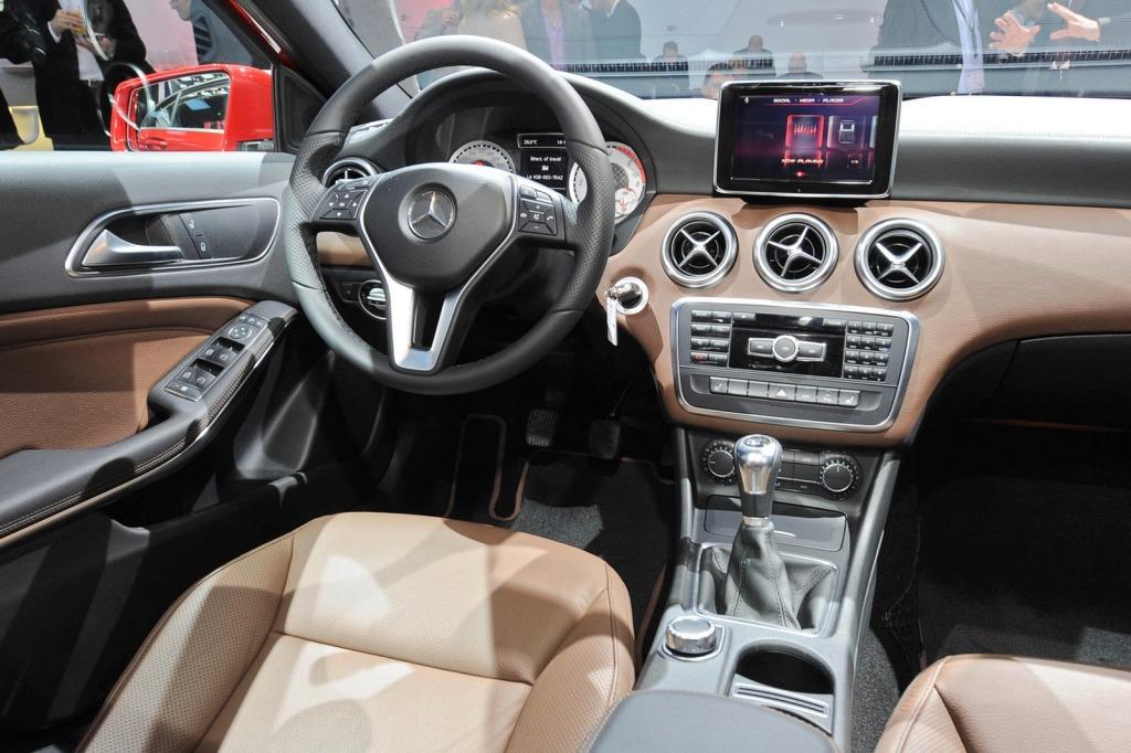 2013-Mercedes-A-Class-Interior-2.jpg?imgmax=1800