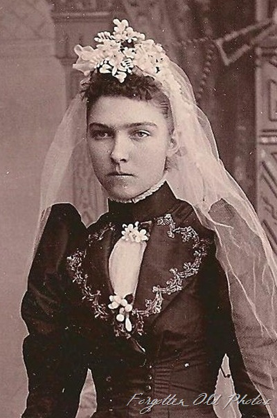wedding Bl;ack dress white veil Buggy Wheel antiques Cabinet card