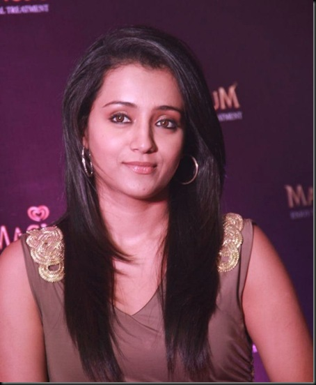 trisha-at-magnum-icecream-launch-stills-19