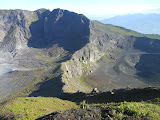 The ridge between the two active craters on Gunung Kaba (Dan Quinn, August 2013)