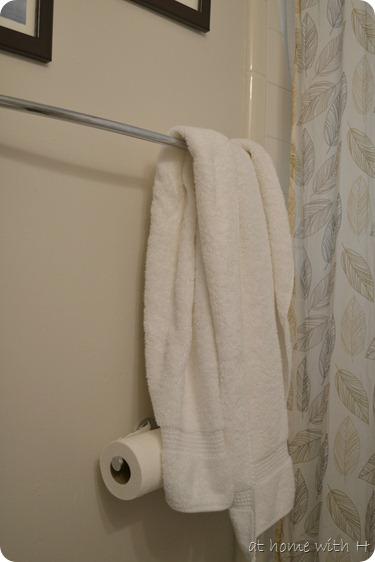 bathroom_oldtowels_athomewithh