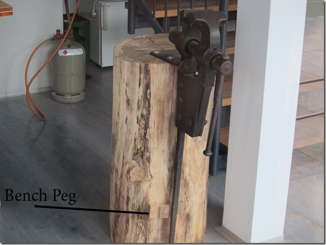 Bench-Peg
