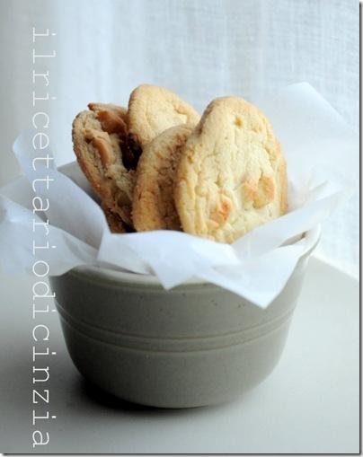cookies al cioccolato bianco e macadamia