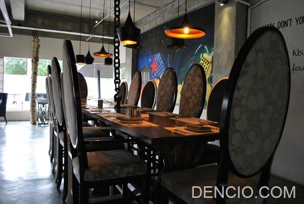 Rica's Restaurant Henry Hotel 04