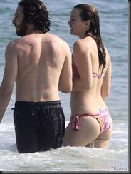 leighton-meester-bikini-butt-0415-01-675x900