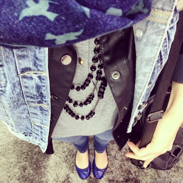 look outono camisa de couro, colete jeans e cachecol  (2)