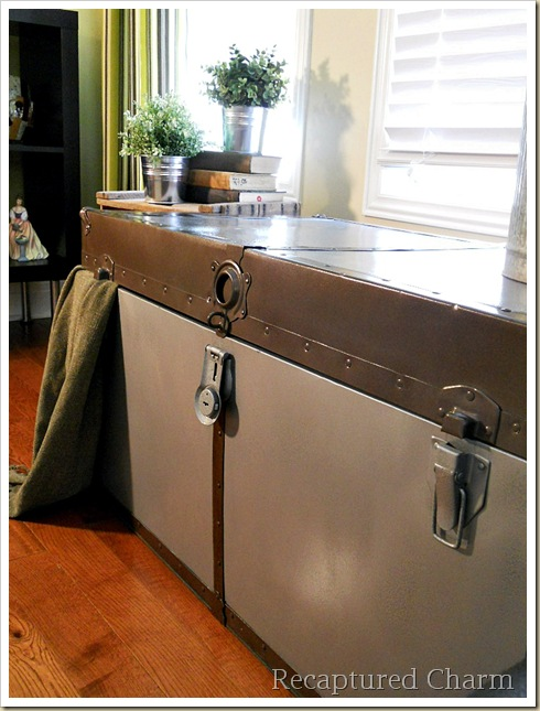 Metal Trunk Makeover 085a