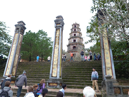87. pagoda Hue.JPG