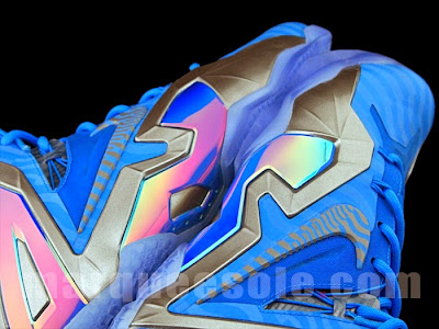 nike lebron 11 ps elite blue 3m 1 03 Nike LeBron 11 Elite Blue Stripe 3M
