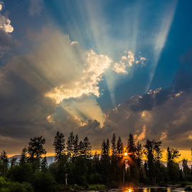 Glorious Swan River Sunset by Leon Kauffman - Landscapes Sunsets & Sunrises ( montana, sunset, swan river, swan valley, sun rays, river )