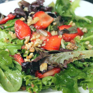 Fresh Strawberry Balsamic Vinaigrette with Mixed Greens
