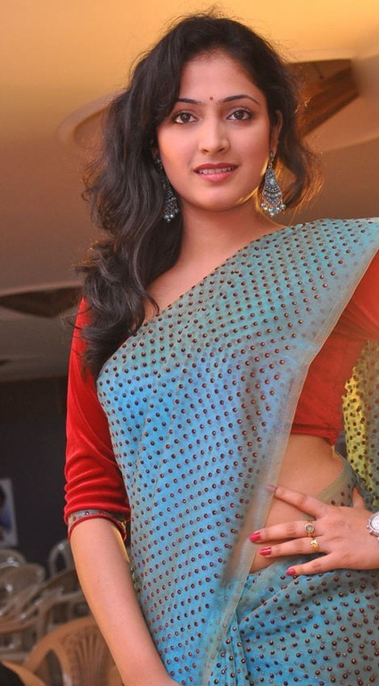 [haripriya_new_photos%255B5%255D.jpg]