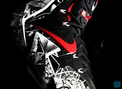 nike lebron 11 gr freegums graffiti 6 12 A Truly Beauty Look at Nike LeBron XI (11) Graffiti