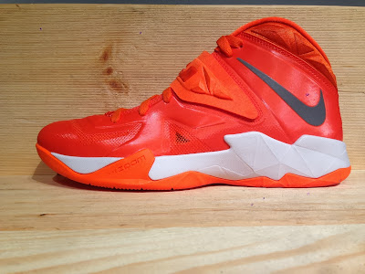 nike zoom soldier 7 tb brilliant orange 2 01 Closer Look at Nike Zoom Soldier VII Team Bank Styles