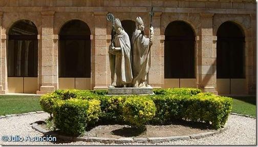 Monumento a Jiménez de Rada y San Martín de Finojosa - Santa María de Huerta - Soria