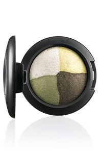 FantasyOfFlowers-EyeShadow-InTheMeadow-300