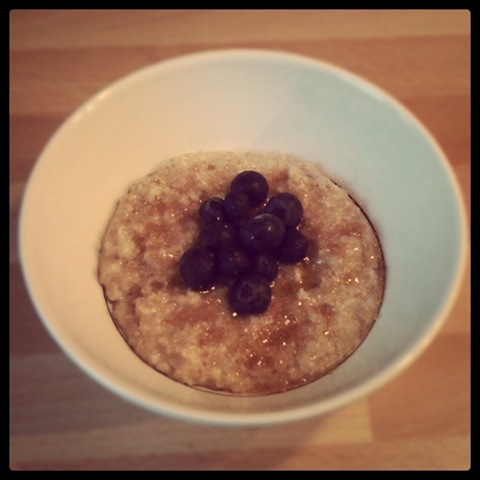 Porridge with blueberries and brown sugar