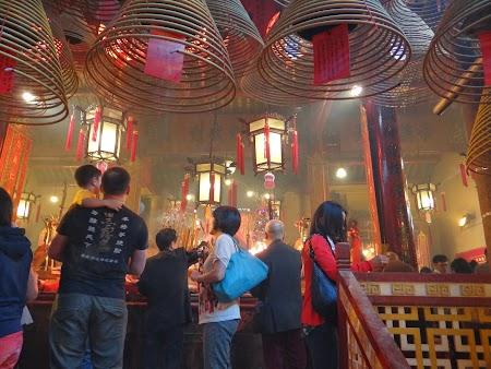 Anul Nou Chinezesc: Templul Man Mo