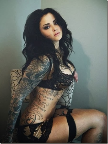 hot-tattooed-women-029