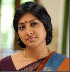 Rohini_in_saree