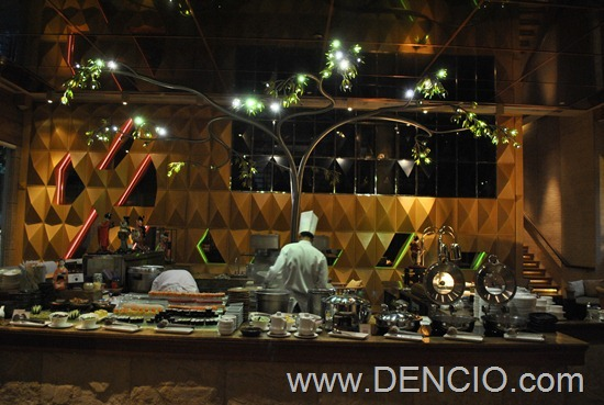 Cafe Ilang Ilang Buffet Manila Hotel 154