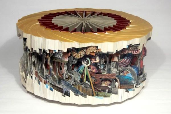 brian Dettmer - arte com livros  (2).jpg