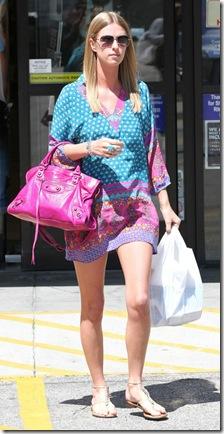 Nicky Hilton 2011_04_04_leavingRiteAidinBeverlyHills6