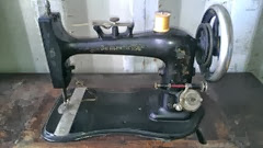 Domestic treadle sewing machine fiddlebase sewing machine10.2013