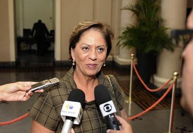 Governadora chega ao Palcio das Pincesas - Elisa Elsie (3)