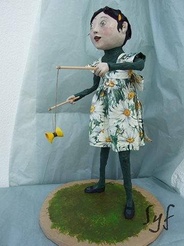muñeca papel mache 15