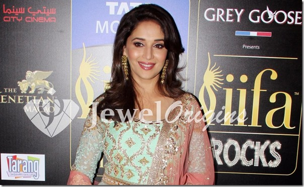 Madhuri_Dixit_Gold_Earrings