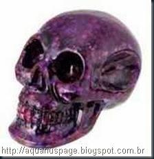 crânio de cristal violeta