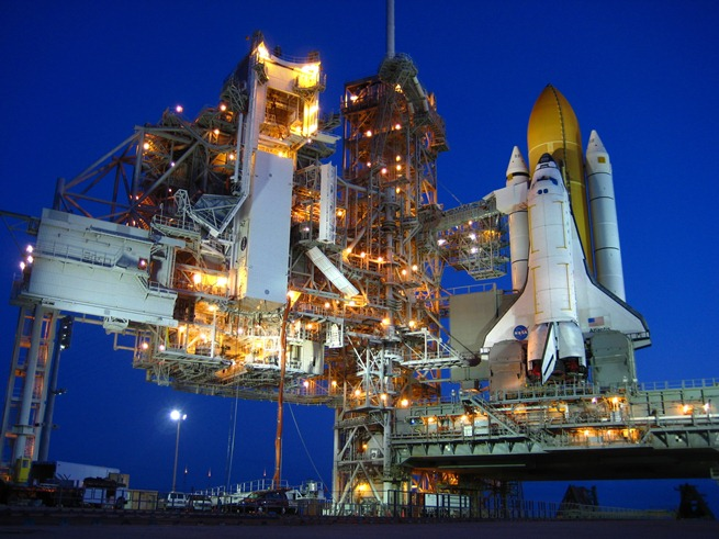 20111207-Space-Shuttle-Launch-01