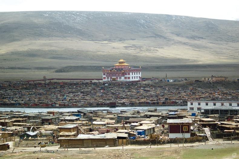 yarchen-monastery-3