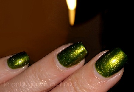 003-beauty-uk-green-nail-polish