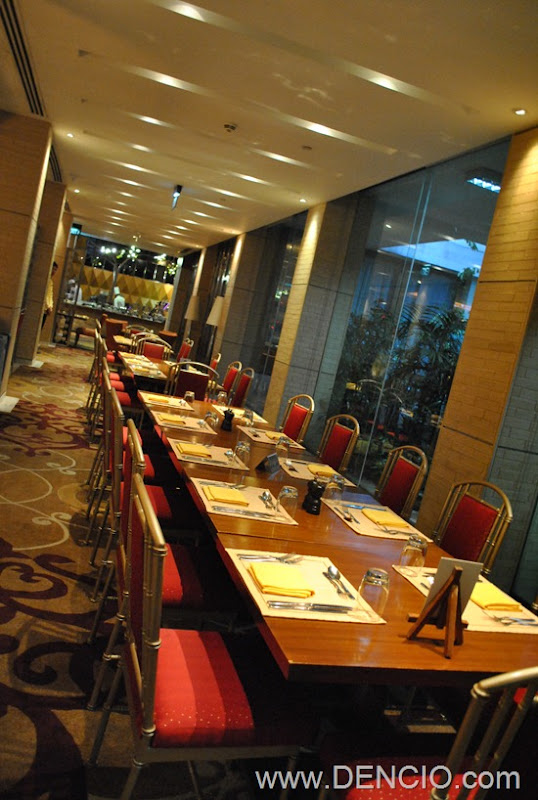 Cafe Ilang Ilang Buffet Manila Hotel 006