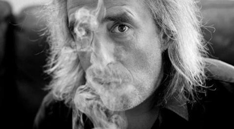 Γιάννης Αγγελάκας: «Η γελαστή ανηφόρα»