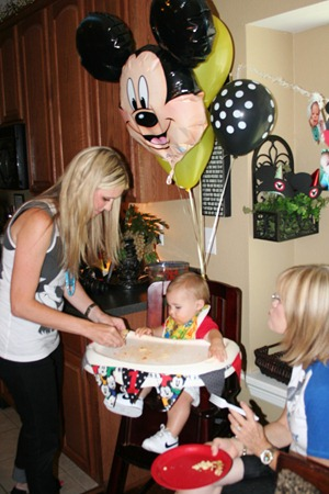 Slickpaw's Pics...Nash's 1st bday party 134