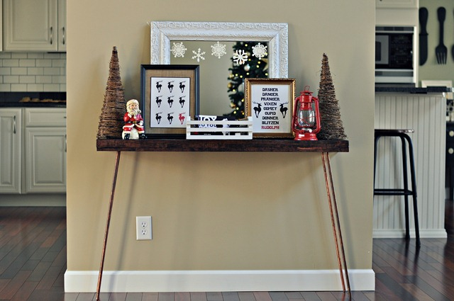 Decor and the Dog Holiday Vignette 1